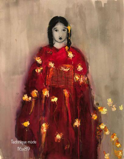 Sans titre au kimono rouge à fleurs jaunes